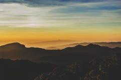 Van de de Wolkenzonsondergang van de berghemel het Landschapsconcept Stock Fotografie