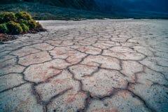 Van de de Doodsvallei van het Badwaterbassin de zoute vormingen stock foto's