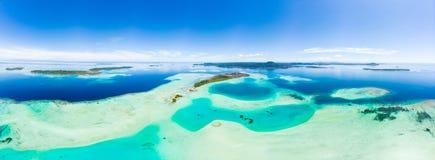 Van de Eilandensumatra van satellietbeeldbanyak de tropische archipel Indonesië, Aceh, strand van het koraalrif het witte zand Ho stock foto's