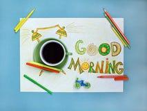 Van de goedemorgenkoffie en wekker concept Kop van koffie met hand getrokken wekker Royalty-vrije Stock Foto