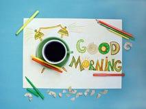 Van de goedemorgenkoffie en wekker concept Kop van koffie met hand getrokken wekker Stock Foto