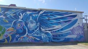 Van de graffitilexington Kentucky van de muurkunst blauwe de vogelpapegaaiduiker Royalty-vrije Stock Foto's