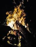 Van de het brandhout de grote dichte hitte van de vuurzeenacht lange blootstelling Royalty-vrije Stock Foto