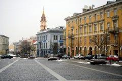Van de het centrumwinter van de Vilnius de oude stad mening van de Stadshall square royalty-vrije stock foto