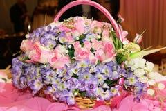 Van de het decorlijst van het huwelijk het plaatsen en de bloemen Stock Afbeelding