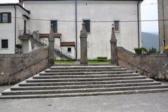 Van de het dorpsmening van Branikslovenië het kasteel Rihenberk Kras van het gebied van Gorica Karst Primorska Royalty-vrije Stock Afbeeldingen