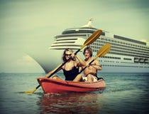 Van de het Geluk Recreatief Achtervolging van het Kayakingsavontuur het Paarconcept stock afbeelding