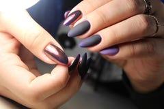 Van de het gelvernis van het manicureontwerp de kleur Chrome Royalty-vrije Stock Foto
