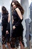 Van de het haarmake-up van de schoonheidsvrouw de donkerbruine krullende zwarte van de het gezichtsslijtage kosmetische Royalty-vrije Stock Afbeelding