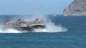 Van de het kussen lcac hovercraft van de landingsvaartuiglucht de amfibische aanval rimpac stock videobeelden