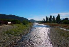 Van de het landschapsrivier van Argentinië Patagonië de bergen Gr bolson stock fotografie