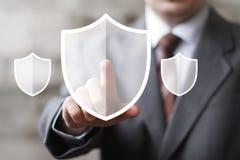 Van de het pictogramveiligheid van het knoopschild van het het bedrijfs virusweb online teken Stock Fotografie
