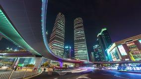 Van de het verkeersstraat van nachtshanghai van het het centrumpanorama de tijdtijdspanne China 4k stock footage
