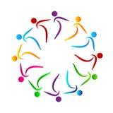 Van de het werkunie van het mensenteam werken de multi de kleurenmensen samen embleem met band, bedrijfsmensenembleem samen royalty-vrije illustratie