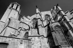 Van de Kathedraalsanta eulalia van Barcelona de muren en de toren royalty-vrije stock afbeelding