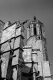 Van de Kathedraalsanta eulalia van Barcelona de rug en de toren stock foto's