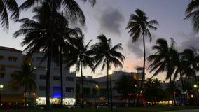 Van de de menings oceaanaandrijving van het zonsondergangpark het zuidenstrand 4k Florida de V.S. van Miami stock videobeelden