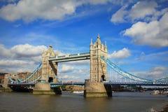 Van de meningslonden van de torenbrug de stad het Verenigd Koninkrijk Augustus 2016 stock afbeeldingen