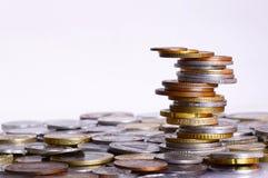 Van de muntstukkenstapel en stapel het in evenwicht brengen Royalty-vrije Stock Fotografie