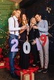 2019 van de nieuwe jaaraantallen partij, Kerstmisboom stock fotografie