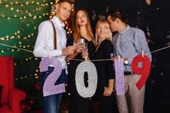 2019 van de nieuwe jaaraantallen partij, Kerstmisboom royalty-vrije stock afbeeldingen