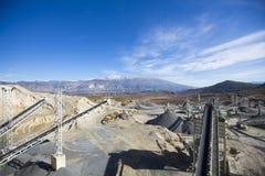 Van de open kuilmijnbouw en verwerking installatie stock foto