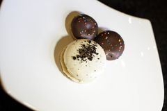 Van de Oreomakaron en chocolade koekjes stock fotografie