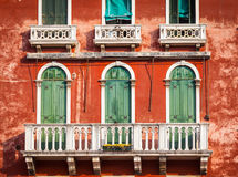 300 van de oude Venetiaanse paleisjaar voorgevel van Kanaal Grande Royalty-vrije Stock Fotografie