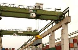 Van de overzeese de containerwerf vrachtlading Stock Foto
