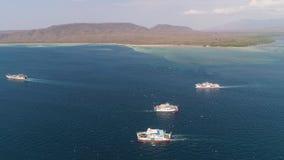Van de overzeese de haven Gilimanuk passagiersveerboot Bali Indonesië