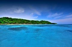 Van de overzeese van de het strand het blauwe hemel zandzon gezichtspunt van de het landschapsaard van Thailand Royalty-vrije Stock Fotografie