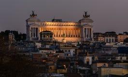 Van de Pincho-heuvel, die in het centrum van Rome wordt gevestigd, zijn er mooie meningen van de stad De Pinchoheuvel wordt een b royalty-vrije stock foto's