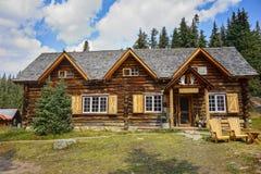 Van de Plaatsbanff van Skokiski lodge canada national heritage het Nationale Park stock afbeeldingen