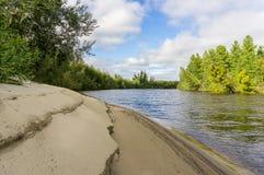 Van de rivieryagenetta van het de zomerlandschap het verre noorden Royalty-vrije Stock Fotografie
