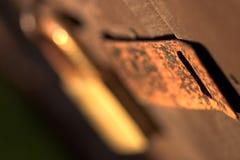Van de Roestrusty close van het stootkussenslot omhoog versleten oud Royalty-vrije Stock Fotografie