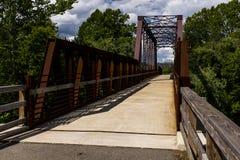 Van de Spoorwegmahoning van Erie de Rivierbrug stock afbeeldingen