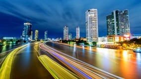 Van de de stads de Mooie zonsondergang van Bangkok kromme Chao Phraya River stock fotografie