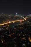 Van de stadslichten en bosphorus van Istanboel brug Royalty-vrije Stock Fotografie