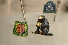 Van de de Straatgraffiti 2019 van Parijs de dame van Notre het branden royalty-vrije stock afbeeldingen