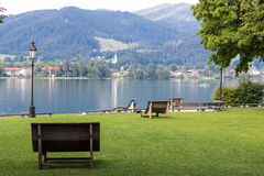 Van de Tegernseemeer en Alp bergen royalty-vrije stock fotografie