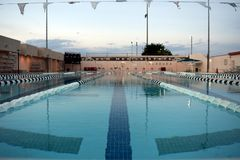 Van de Universiteits het Openlucht 50 m van de Staat van New Mexico Zwembad Las Cruces royalty-vrije stock foto's