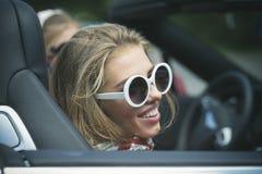 Van de de vakantieauto van de zomer van de de wegreis de vrijheidsconcept royalty-vrije stock afbeeldingen