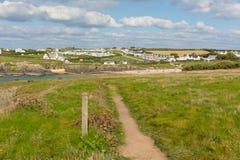 Van de wegtreyarnon van de zuidwestenkust de Baaicornwall Engeland het UK de het noordenkust Van Cornwall tussen Newquay en Padst Stock Fotografie