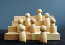 Van de werknemersontwikkeling en carrière ladder Concurrentie in zaken royalty-vrije stock foto