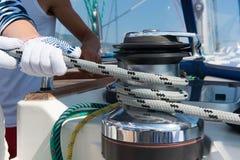 Van de zeilbootkruk en Kabel Jachtdetail. Zeilen. royalty-vrije stock afbeelding