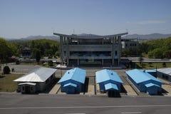 Van DMZ (Panmunjom) het Huis van Vrijheid zoals die van DPRK wordt gezien Royalty-vrije Stock Foto