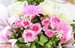 Van het bloemboeket mooie bloemen als achtergrond stock fotografie