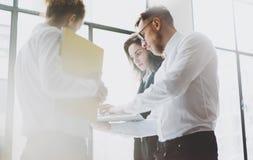 Van het commerciële het proces teamwerk Bemanning die van foto de jonge beroeps met nieuw startproject werken projectleiders het  Royalty-vrije Stock Afbeelding