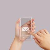 Van het de Aanrakingsscherm van het handgebruik de mobiele telefoon Stock Afbeelding