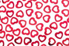 Van het de dag decoratieve patroon van Valentine ` s rode die de hartenconfettien op witte achtergrond worden geïsoleerd royalty-vrije stock foto